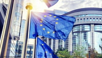 WhatsApp: EU prüft Datenaustausch mit FB