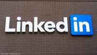 LinkedIn: Illegale Werbung auf Facebook